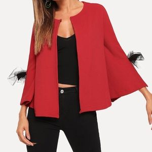 Jackets & Blazers - 🆕Gorgeous red textured coat with box details